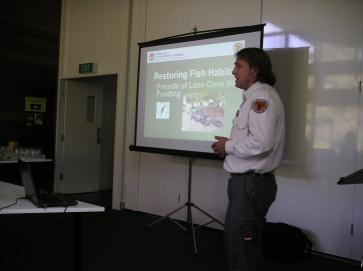 Ranger Andrew Duffy talks about fish habitat projects (c) Scott Nichols