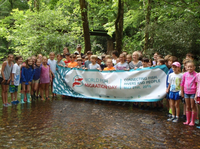 Crestline Elementary 4th graders on our environmental education program in the Little Cahaba River, Shelby County, Alabama.